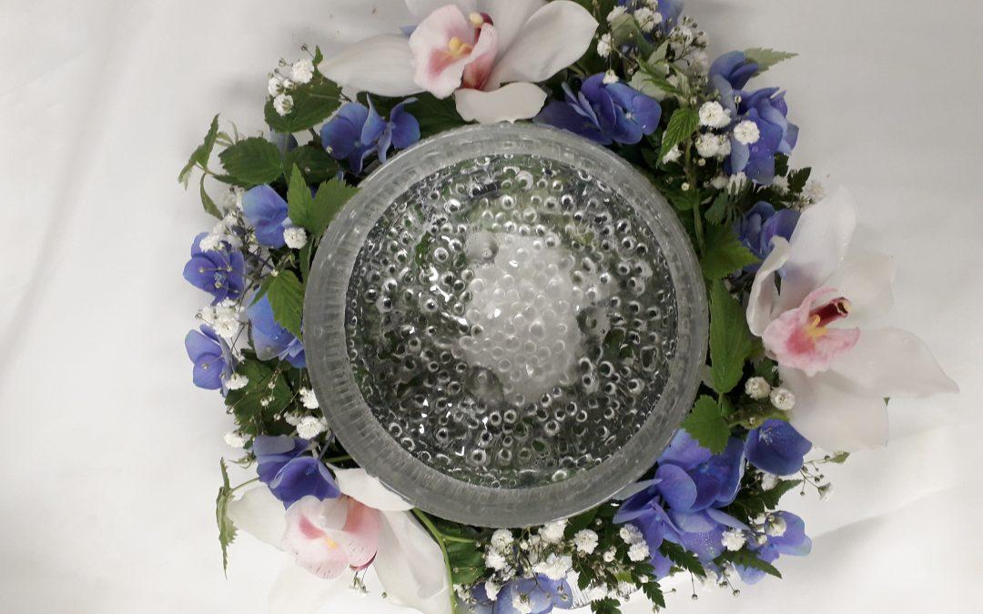 Meiltä myös kukat ja lahjat kastetilaisuuksiin sekä vauvaonnitteluihin